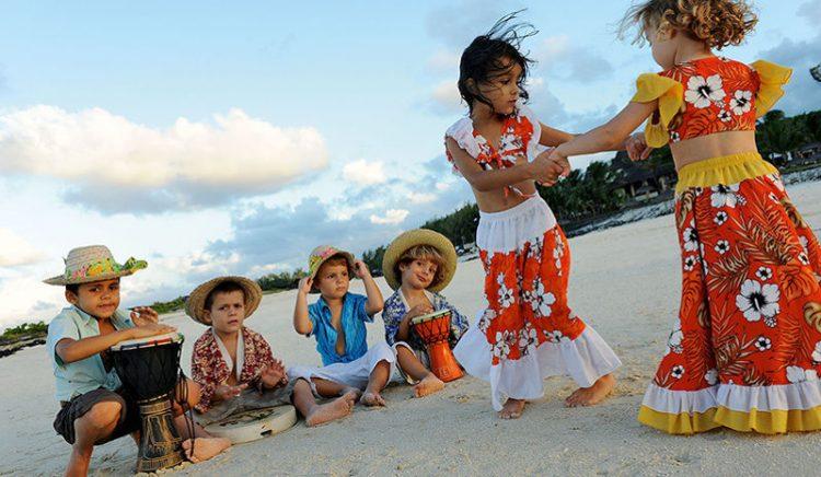 LUX-beach-kids