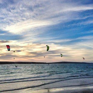 cumbuco-sunset-kitesurf