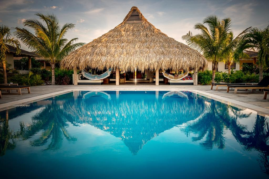 bonaire-boutique-hotel-pool