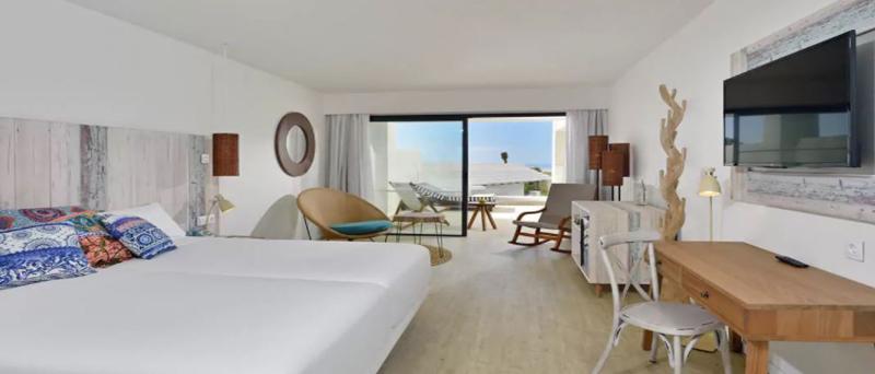 sol-beach-house-room