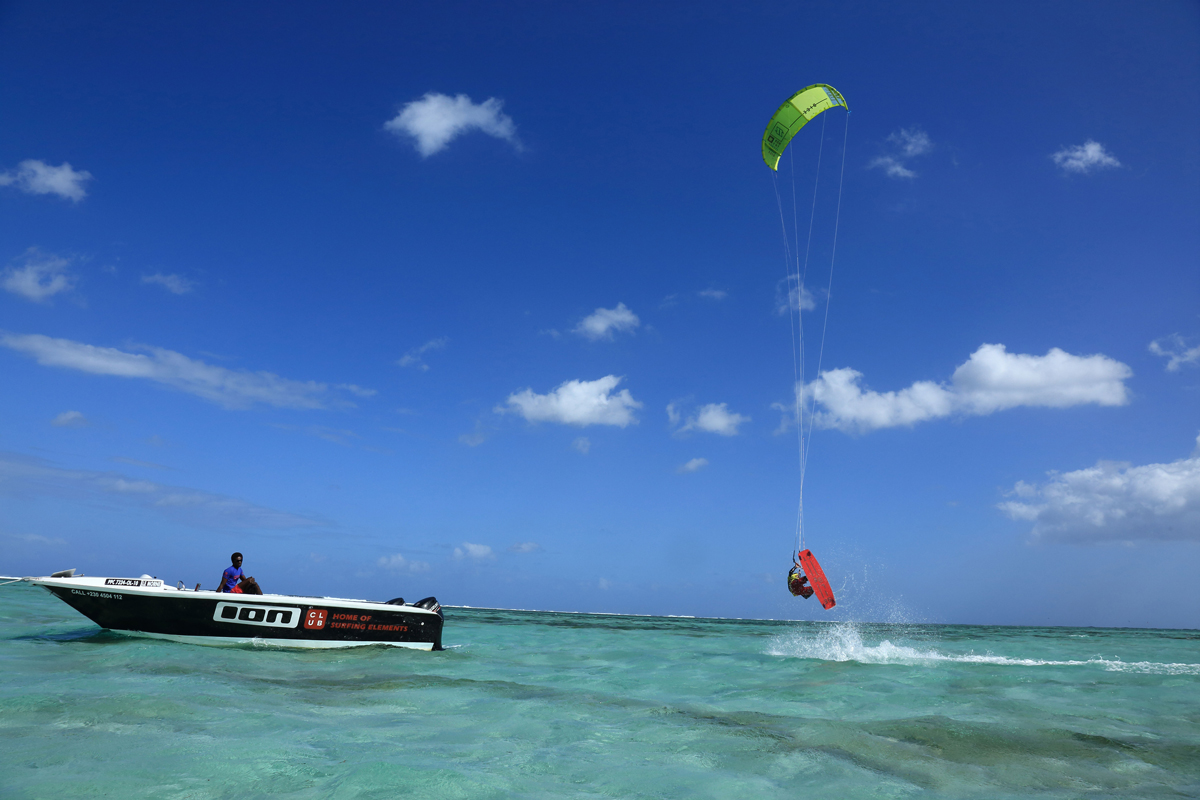 premium-kitesurf-lesson-and-rental-with-a-private-boat