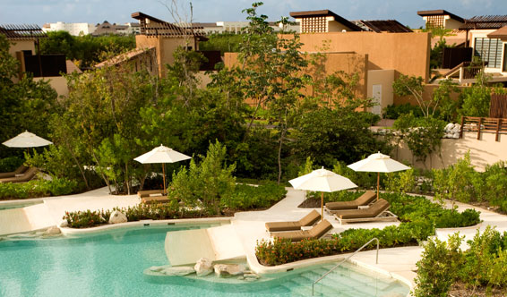 Hotels in playa del carmen: Banyan tree Mayakoba