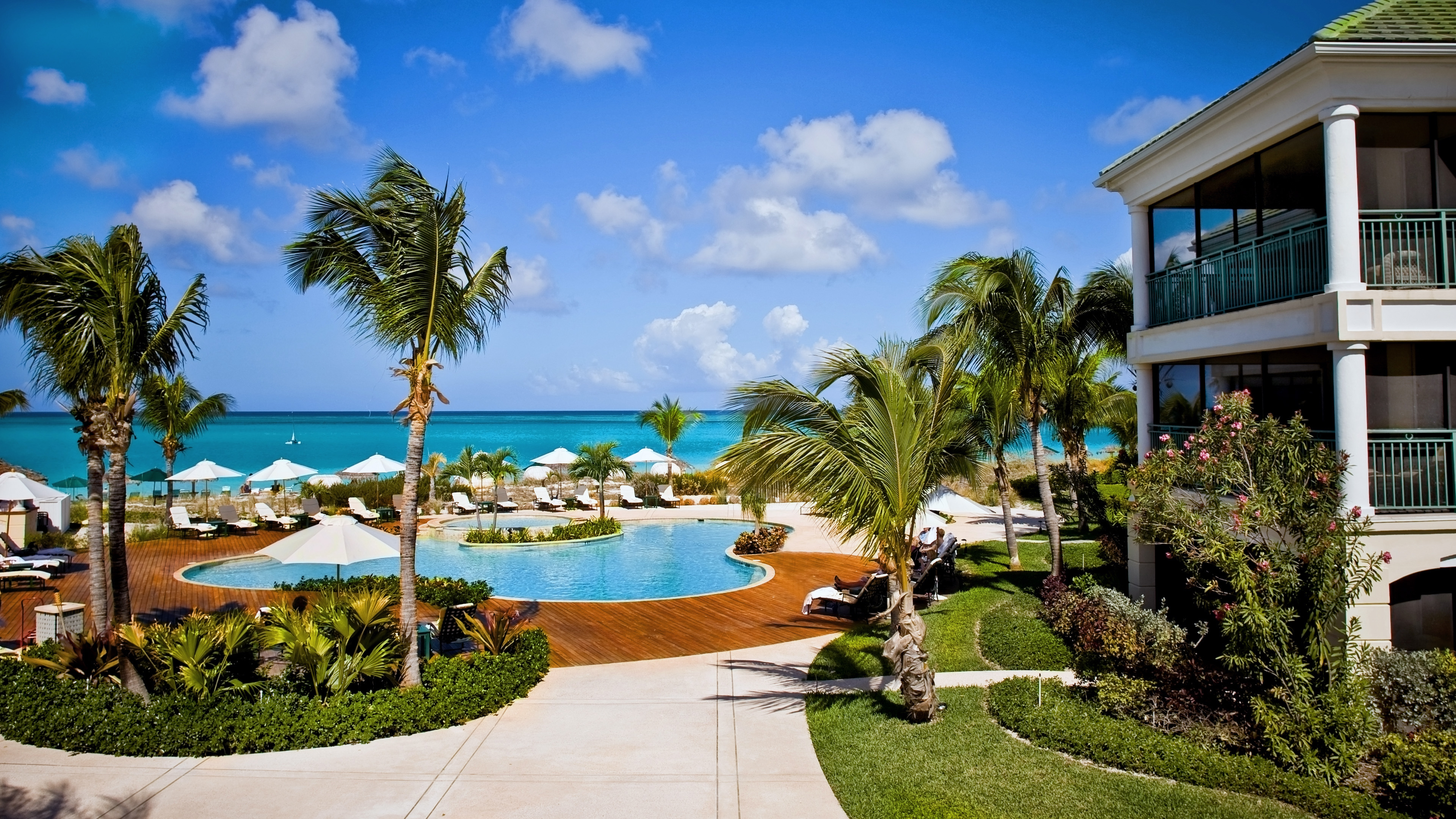 Hotels in providenciales: Sands At Grace Bay